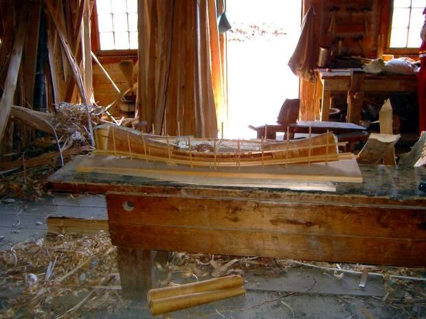 Holz in der Kanu-Werkstatt