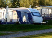 Wohnwagen auf dem Campingplatz